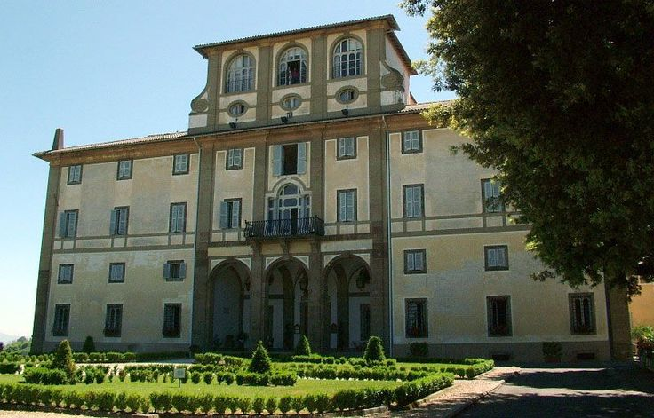 Villa Tuscolana o Rufinella. Built by cardinal Ruffini on a previous roman villa. The Villa has a peculiar shape of T. Bought by the Jesuit and transformed into a convent by Vanvitelli (restoration of S Mary of the angels). Today property of the Salesian and congress centrum.