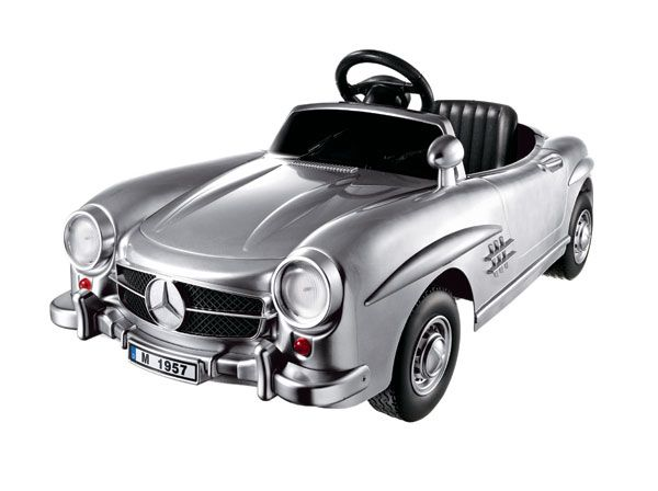 Make dad & big brother jealous with a ride in this vintage-style Mercedes-Benz 300SL.