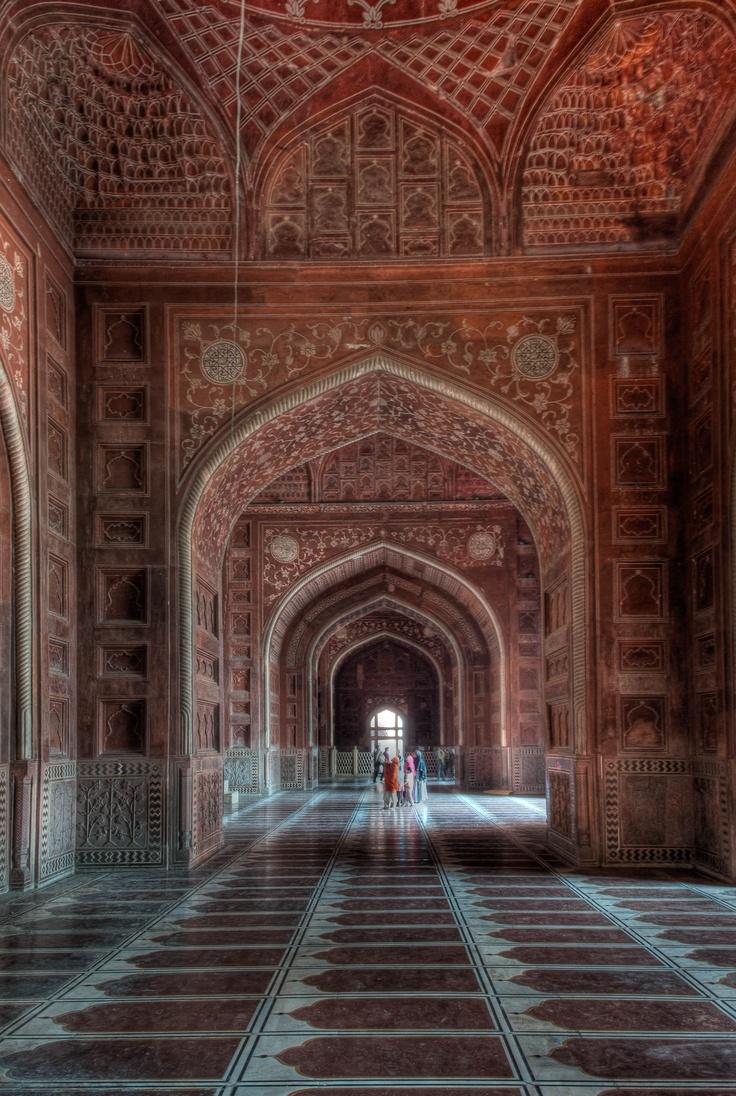 Mosuqe of Taj Mahal