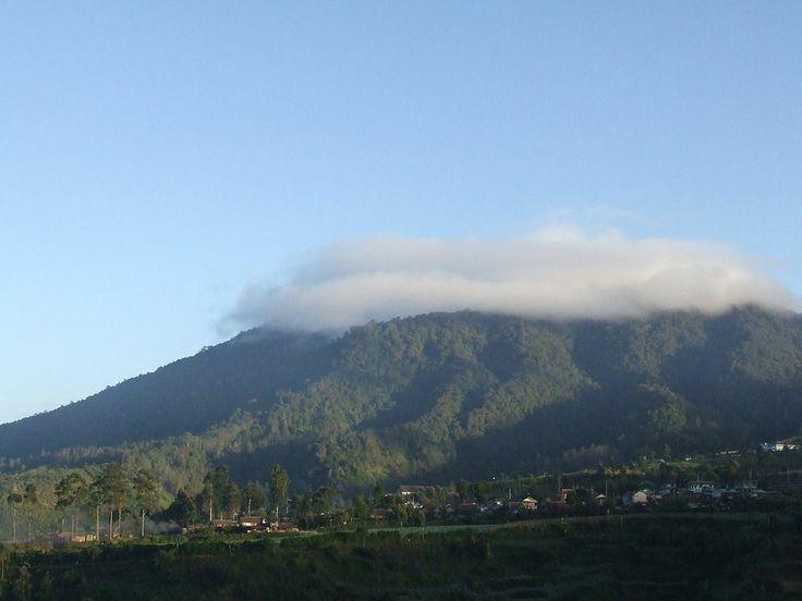 Gunung Burangrang (2057 m), Jawa Barat, Indonesia