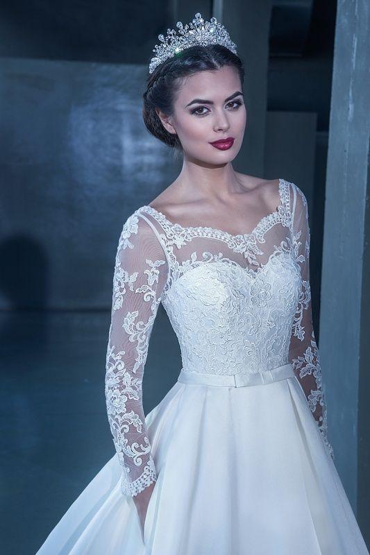 15222 в Красноярске, Платье в пол, Свадебное платье с рукавом, Свадебное платье с закрытым верхом, Пышное свадебное платье