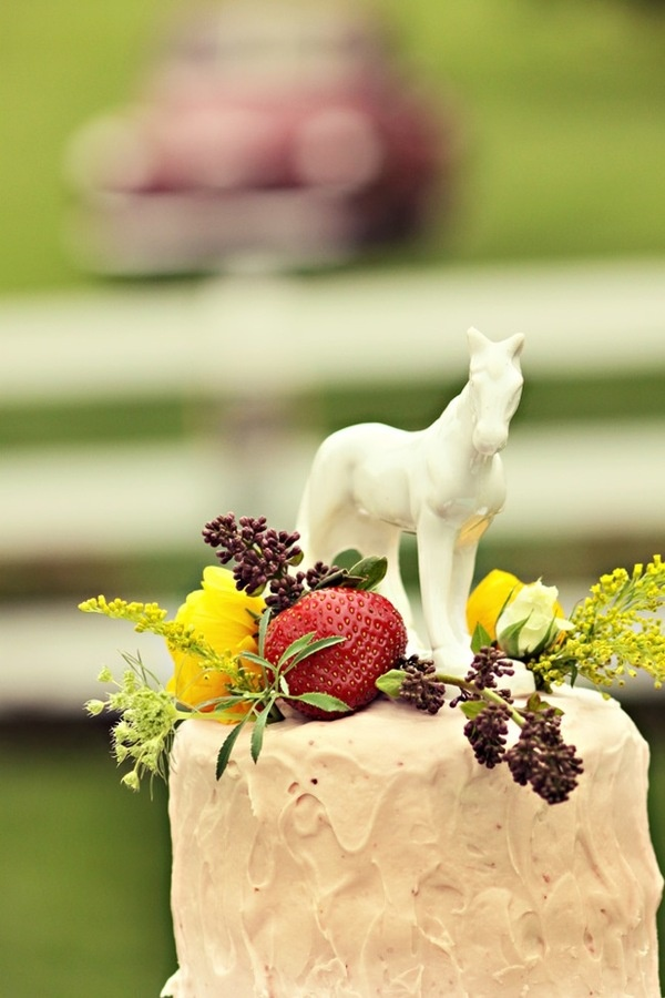 Gorgeous Equine Cake Topper from Style Me Pretty