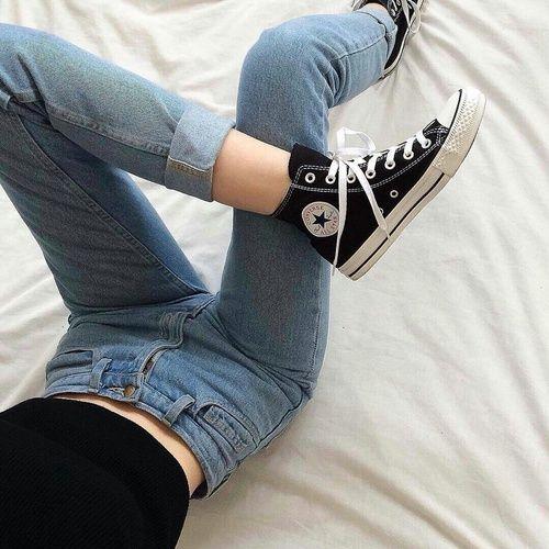Imagem de converse, jeans, and black