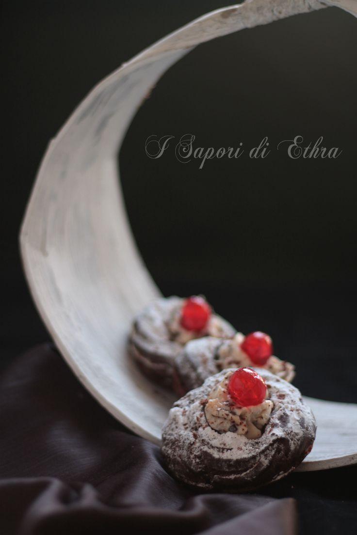 Zeppole al cacao con crema di ricotta
