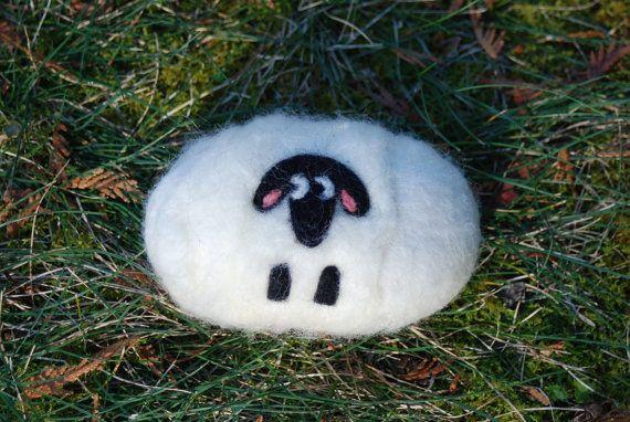Sapone in feltro troppo soffici pecore di BondurantMountainArt