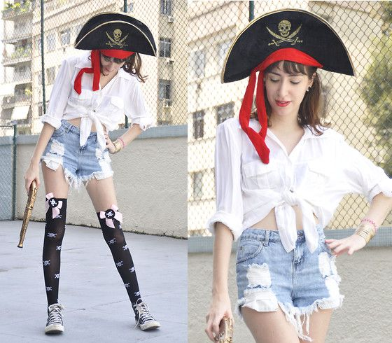 Yo Ho, Yo Ho! A pirates life for me! (CARNAVAL) (by Beatriz Saint Martin) http://lookbook.nu/look/4575193-Yo-Ho-Yo-Ho-A-pirates-life-for-me-CARNAVAL