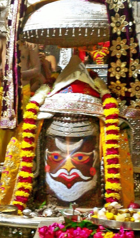 Dec.21 - #Bhasma #Aarti pic of Shree #Mahakal #Ujjain  #god #shiv #shiva #shivay #bholenath #mahadev #mahakaleshwar #jyotirling #jaibholenath #jaimahakal #om #omnamahshivay #harharmahadev #ॐ #महाकाल #भस्म #आरती #शिव #महाकालेश्वर #उज्जैन #mptourism #madhyapradesh #tourism #travel #incredibleIndia