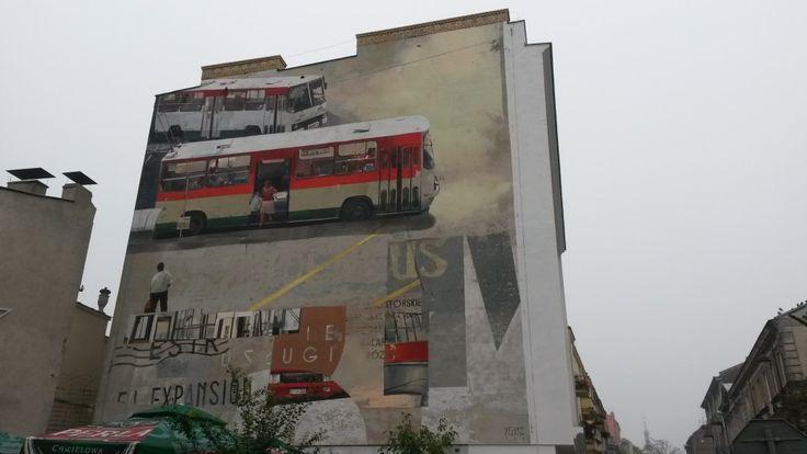 mural  przy ul. Peowiaków w Lublinie - Przedstawia zmiany w komunikacji miejskiej www.lublin112.pl