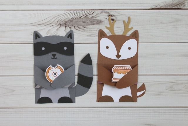 Use Lawn Fawn Critter Hugger dies and Glue Dots to create some adorable Valentines for Valentine's Day.