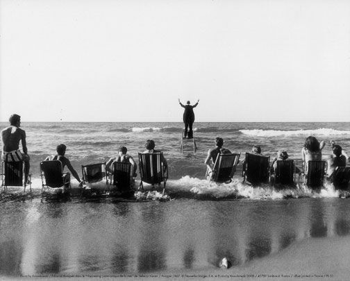"Eustachy Kossakowski: Edward Krasinski w ""Panoramicznym happeningu morskim"" Tadeusza Kantora, 1967"