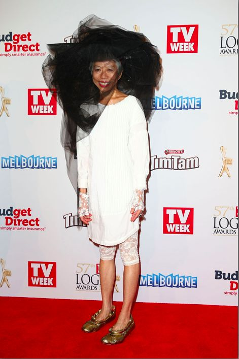 Aussie legend and SBS newsreader Lee Lin Chin sported an eye-popping outfit at the 2015 TV Week Logie Awards. | 13 Things That Lee Lin Chin Looked Like At The Logies