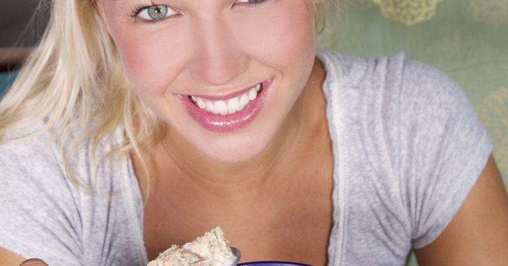 Lista de cereais com baixo teor de carboidratos. Dietas pobres em carboidratos, como a Atkins e a South Beach defendem a ingestão reduzida de carboidratos, já outras, incluindo a Zone, defendem o controle dos carboidratos. Com a popularidade dessas dietas e a alimentação pobre em carboidratos em geral, os cereais com baixo teor desse ingrediente, lanches e até mesmo as massas estão agora ...