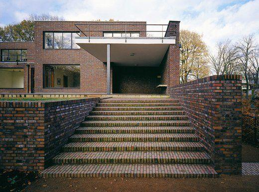 Ludwig Mies van der Rohe (1886-1969) | Haus Lange | Krefeld, Germany | 1928-1930