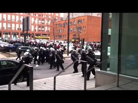 Riots at Palais de Congrés / Des Manifestations pour Plan Nord