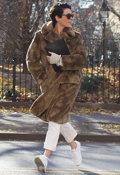 On piquerait bien à Garance Doré son manteau teddy bear ! (Dries Van Noten)