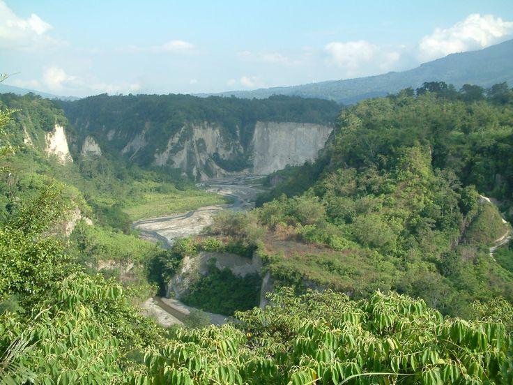 ngarai sianok  bukittinggi  sumatera barat  indonesia