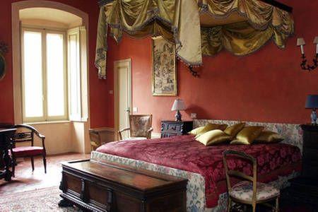 Dai un'occhiata a questo fantastico annuncio su Airbnb: Palazzo Torri App Ala Ovest (large) a Corte Franca