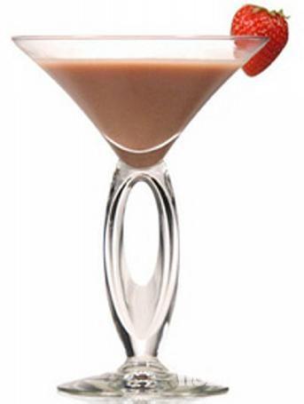 #КЛУБНИКА И #ШОКОЛАД (1 порция) Состав: ФОРМУЛА 1 Голландский шоколад - 2 столовые ложки Протеиновая смесь ФОРМУЛА 3 - 1-2 столовые ложки Обезжиренное или соевое #молоко - 1 чашка Замороженная клубника - 1 чашка Несколько капель ванильного концентрата #Лед (по желанию) – 4 кубика Приготовление: Поместить все #ингредиенты в #блендер и взбивать до тех пор, пока не раскрошится лед. #рецепты #еда #едавстакане #сбалансированноепитание #правильноепитание #минусразмеры #похудение #завтрак…