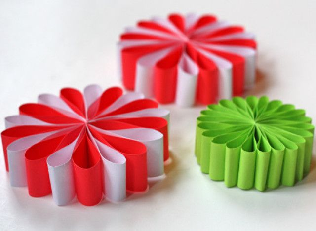 Easy Crafts Using Construction Paper | Easy Angel Crafts: Accordian Folded Paper Angel Ornament