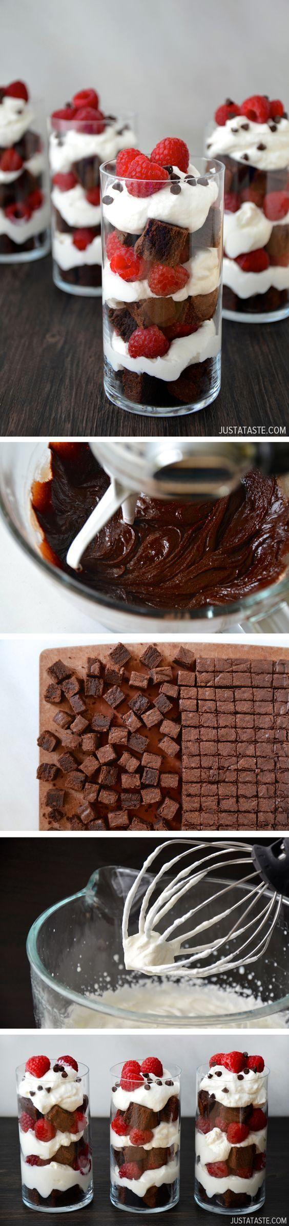 Idée de chantilly avec morceaux de chocolat et framboises.
