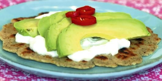 SUNT: Du kan lage 15 små tortillalefser eller 8 store wraps av denne deigen.