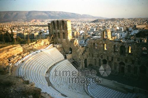 Odeon des Herodes Atticus, 1960 Czychowski/Timeline Images #Athen #Griechenland #Greece #Akropolis #Theater #Amphitheater #Odeon #60er #60s #travel #Urlaub #Sommer #Sonne #Tourismus #Reisen #Reise #Fernweh #trip #world #historisch #historical #traditional #traditionell #retro #nostalgic #Nostalgie