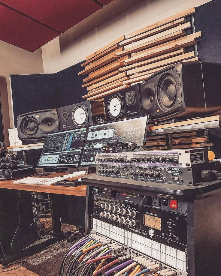 Live In An Apartment And Have No Space For A Home Studio Check Out These 11 Awe Inspiring Home Studio Ideas Music Studio Room Music Studio Home Studio Music