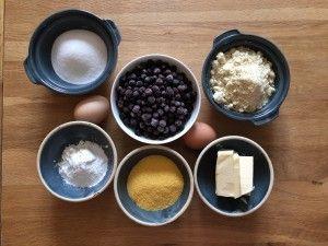 Cake myrtille, gluten free: Chaque semaine Bolero se met aux fourneaux et vous… #RECETTES_FOODING #cake #gluten_free #myrtille #polenta