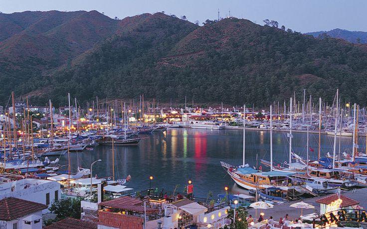 Tag på parferie og nyd en smuk aften i Tyrkiet. Se mere på http://www.apollorejser.dk/rejser/europa/tyrkiet