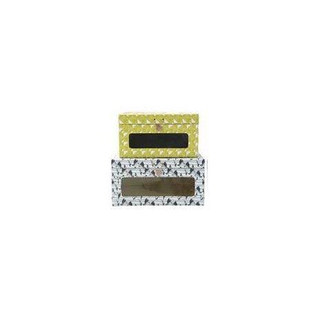 """Kasse """"Spring time"""" - Lækre kasser til opbevaring fra House Doctor.  Brug dem til opbevaring af fx Sko, tøj, magasiner og papirer.  Findes i 4 forskellige varianter :  Gul-grøn med hvidt mønster (S), Rødt mønster på hvid baggrund (S), Hvid med blåt mønster (L) og Grå-grøn med mønster(L)"""