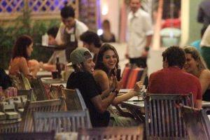 Jornais espanhóis dizem que Bruna Marquezine é a maior conquista de Neymar - A atriz tem sido chamada de a princesinha e a sensual namorada do atacante e até teria recebido um convite para ser capa de uma revista de celebridades da Espanha
