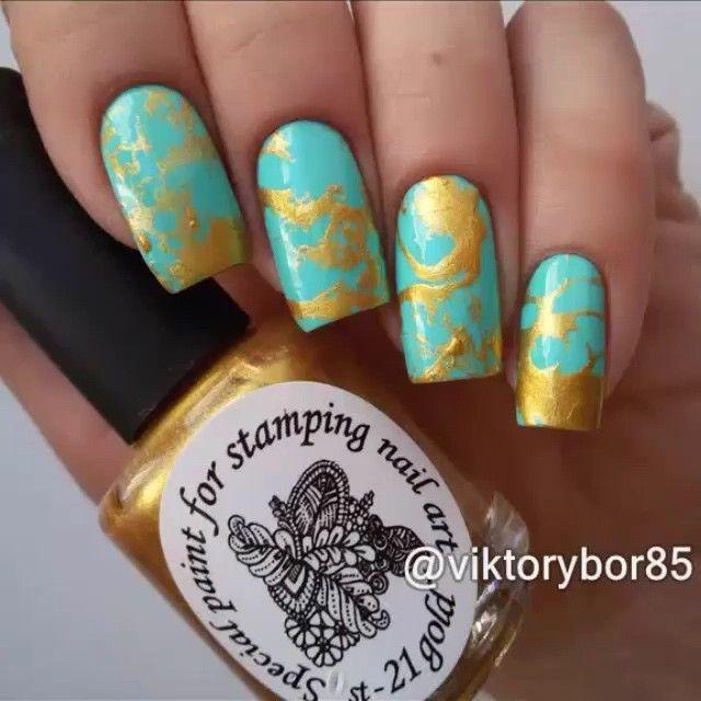 ️Repost @viktorybor85 #nailtutorial  Лак-основа #Kiko 389 Золотая краска для стемпинга #el_corazon Вокруг ногтей #cuticle_defender от @el_corazon_shop @el_corazon_art_direct