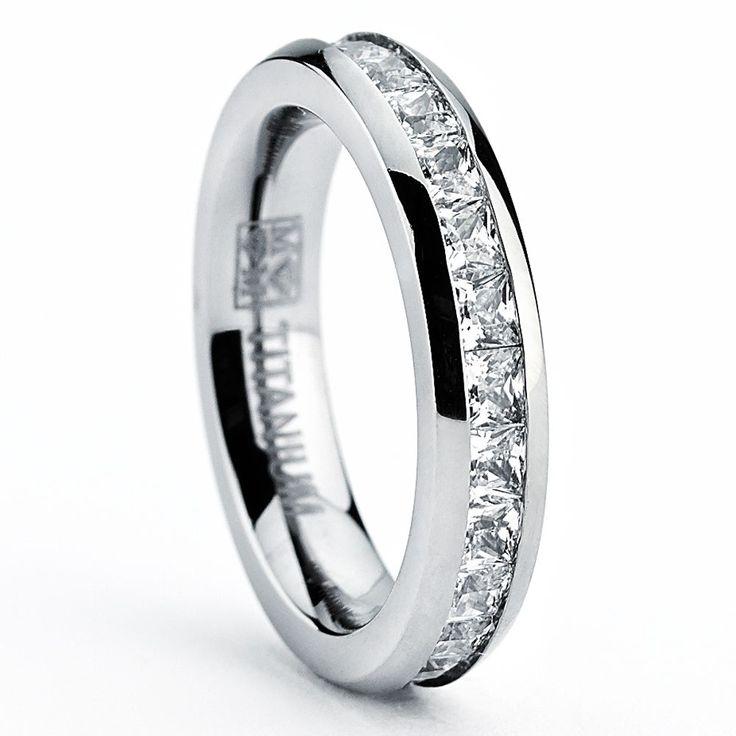 <li>Women's titanium ring</li><li>Titanium jewelry</li><li><a href='http://www.overstock.com/downloads/pdf/2010_RingSizing.pdf'><span class='links'>Click here for ring sizing guide</span></a></li>