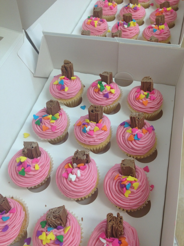 Mini cupcakes :) perfect party treats! Diet bites