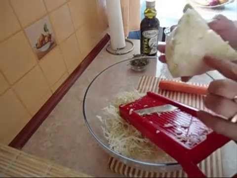 ▶ Przepyszna surówka z białej kapusty w kilka minut - YouTube