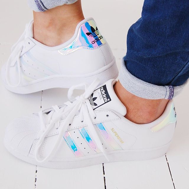 """Mermaid Adidas Superstars, and in child size so they are loads cheaper? Hell yeah!"" #adiddas #superstar #fashion #kids #fashionbloggers #fbloggers #white #sneakers #kids #fashion #mystyle #stealmystyle #kicks #mumstyle #flats #fashionmyeay #OOTD #wiwt #BDAGwears #asseenonme @jdsportsofficial @adidasuk #bloggers #BDAG #blog #brickdustandglitter"