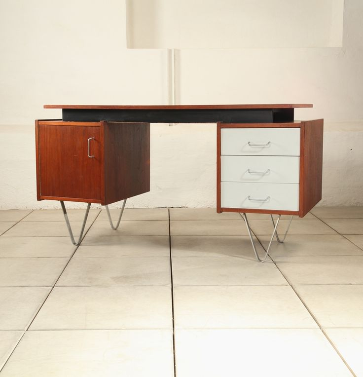 Cees Braakman; Teak, Laminate and Metal Desk for Pastoe, 1958.
