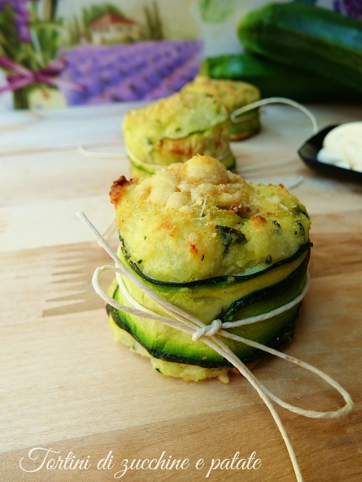 I tortini di zucchine e patate sono il finger food perfetto? Perchè? Innanzitutto può essere preparato con qualche ora di anticipo ed essere servito freddo