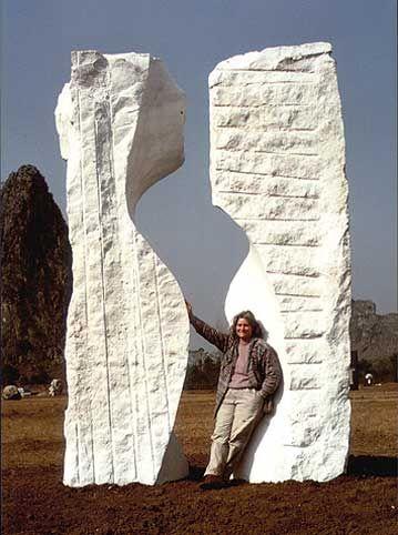 La Madelaine 1988, marmo, parco Yuzi Paradise, Guilin, Jaya Schuerch http://musapietrasanta.it/content.php?menu=artisti