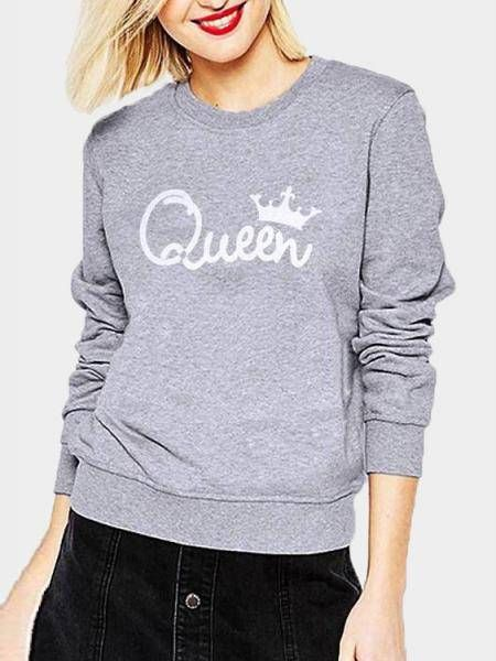This casual sweatshirt with long sleeves, letter print and round neck.  Perfect with high waist jeans.
