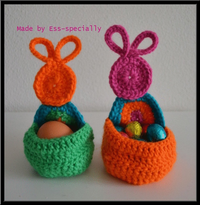 Crochet Egg Holder : Crochet pattern Easter egg holder - Haakpatroon Paasei houder (Dutch ...
