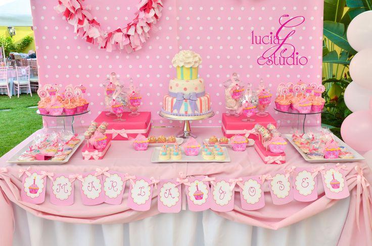 Cupcake theme party dessert table by Lucia G Estudio