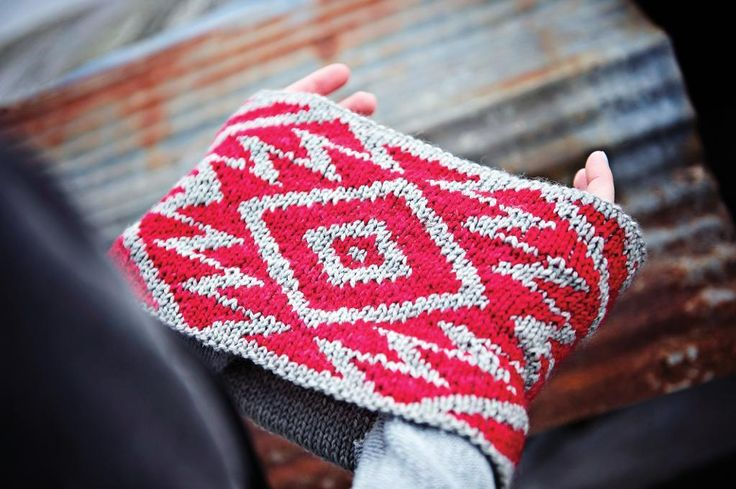 There's something about knitting Fair Isle designs that makes you feel like such an accomplished knitter. Knitting with two colors? Of course I can do that! But the first time you dive into Fair Isle knitting, things can be a little intimidating. Here are a few tips to help you out, and a look at some great patterns to get you started.