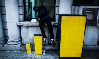 """Londres. Le """"street art"""" s'empare de la crise immobilière   Courrier international"""