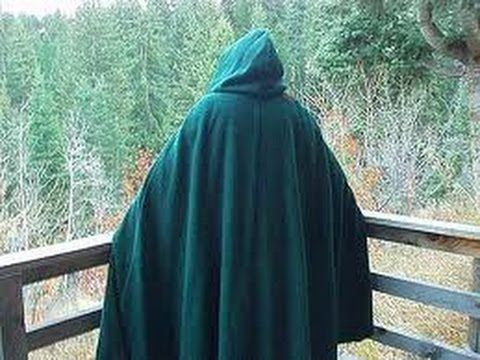 Step by step tutorial on making a basic cloak. This design is very versatile! Can be used as a witches cloak or a grim reaper costume!