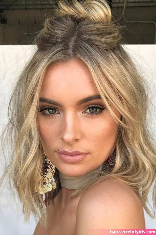 33 Amazing Prom Hairstyles For Short Hair 2020 Prom Hairstyles For Short Hair In 2020 Prom Hairstyles For Short Hair Half Up Half Down Hair Prom Medium Hair Styles
