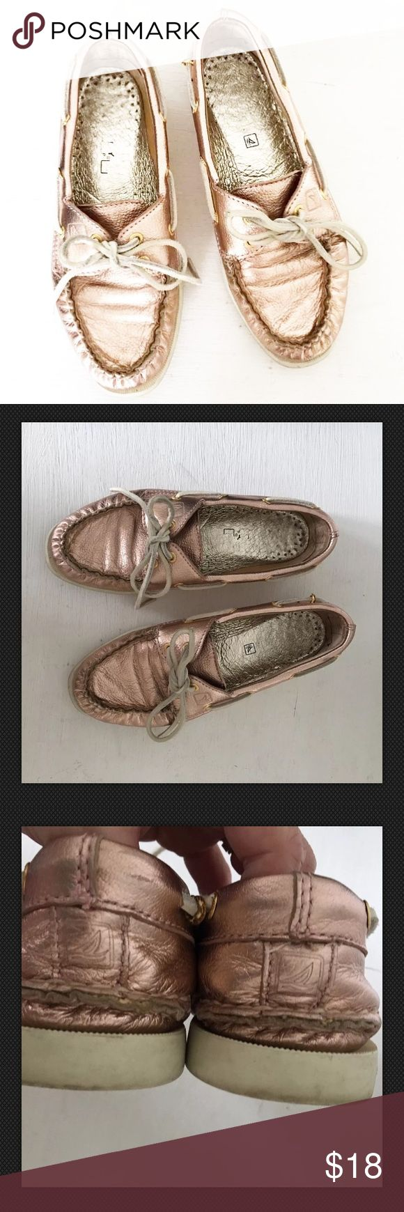 Sperry Topsider Rose Gold Leather Loafers Gently pre-loved with very minimal wear. Please see all pictures for an accurate description of condition. Leather. Size 5.5. *0819170263* Sperry Top-Sider Shoes Flats & Loafers