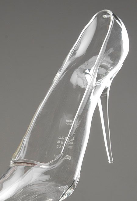 "the ""glass"" slipper... for the cinderella girl!  sooooo want this"