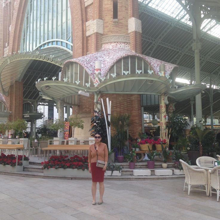 Valencia #spain #guadi #architecture #market
