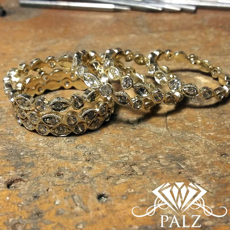 infinity 18 kt gold ring